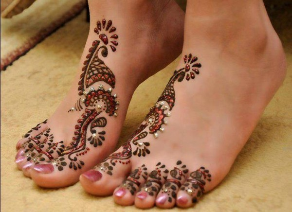 Dubai-Foot-Mehndi-Designs-2014