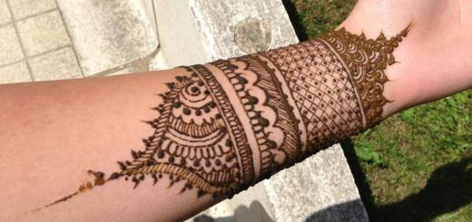Henna-mehndi-designs-for-wrists