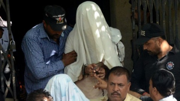 150521220657_khi_ismaili_bus_attack_suspect_640x360_afp_nocredit