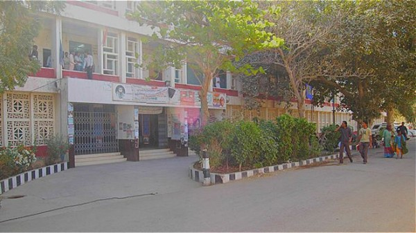 160418133842_karachi_university_640x360_bbc_nocredit