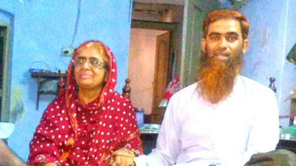 160601214007_nisar-ud-din_right__with_his_mother_zaibunnisa_begum_and_brother_zahir-ud-din_640x360_imranqureshi_nocredit