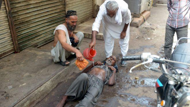 کراچی میں ہیٹ ویو کے اثرات، شہر کا موسم شدید گرم، سمندری ہوائیں رک گئی