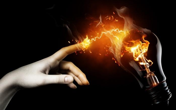 بجلی کی قیمت میں اضافہ:  صارفین پر 8 ارب 40 کروڑ روپے کا اضافی بوجھ