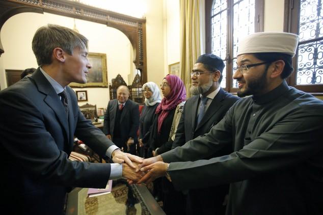 آئمہ مساجد کو تقریرکیلئے لائسنس جاری کیے جائیں۔