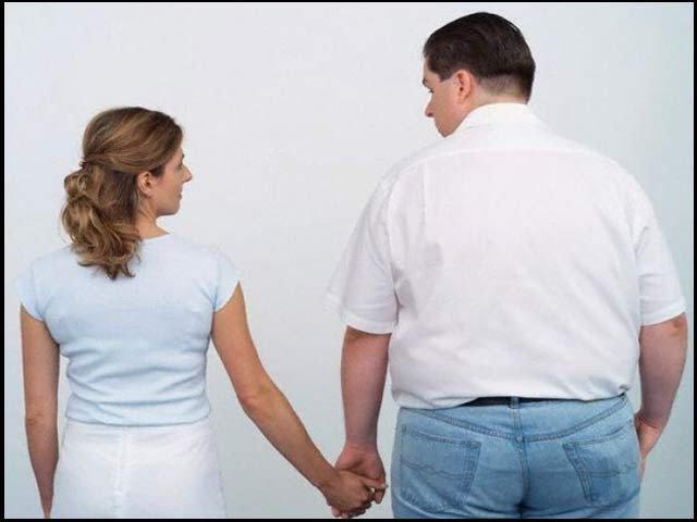 شادی کے بعد ایک فریق کے موٹا ہونے پر دوسرے ساتھی کے موٹا ہونے کا دوگنا خطرہ