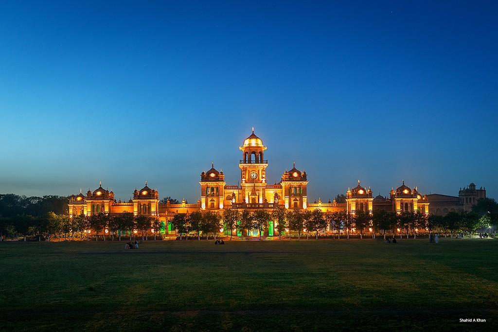 اسلامیہ کالج پشاور کے لیے سو کروڑ روپے کا اعلان