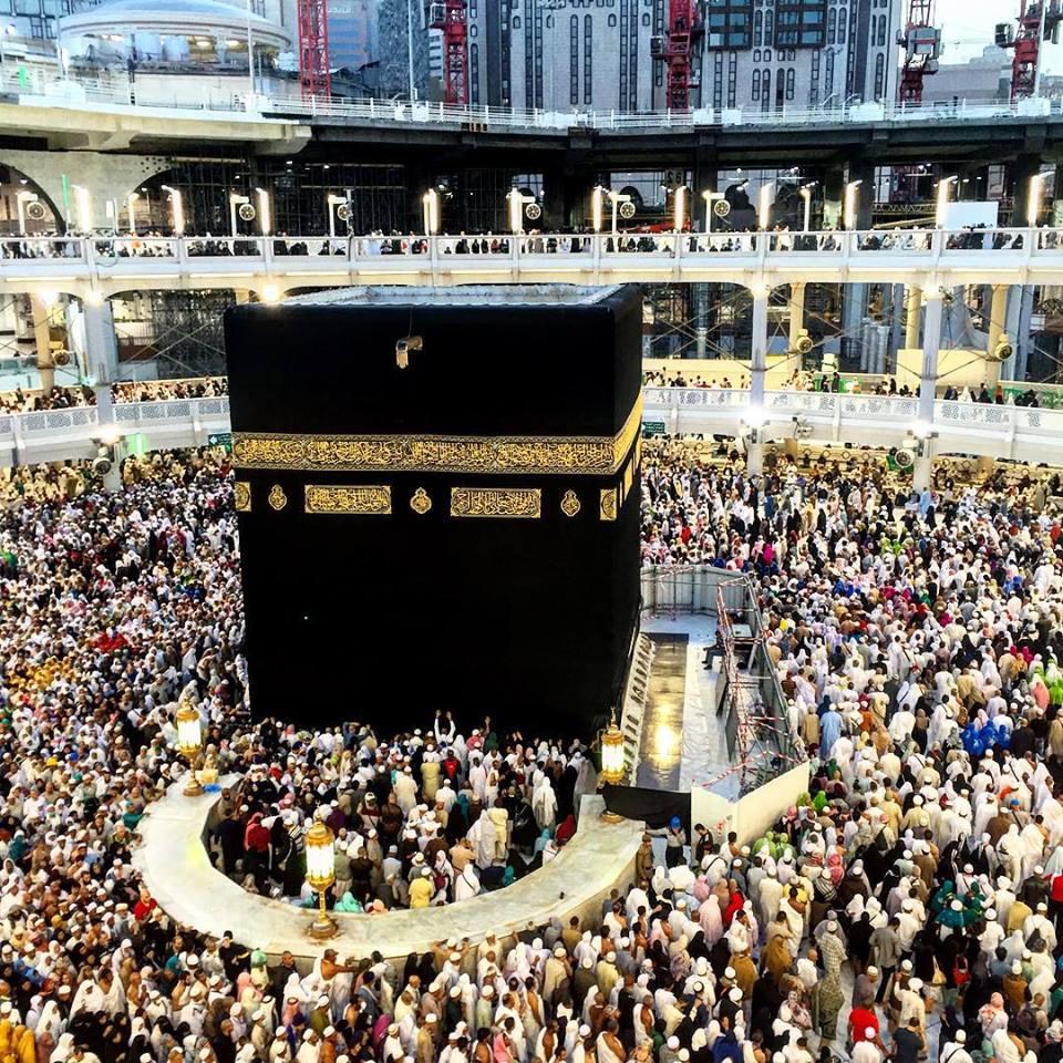 قطری شہریوں کی مسجد حرام میں داخلے پر پابندی کی افواہیں بے بنیاد قرار