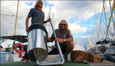 سمندر سے کچرا صاف کرنے کے لیے کچرے دان تیار
