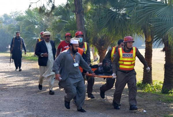رسیکیو 1122 ، ایدھی اور الخدمت کے رضاکار