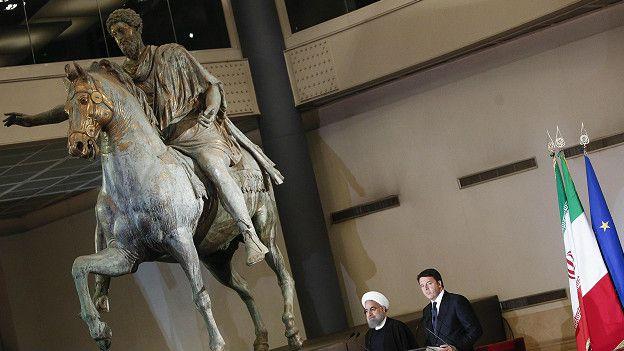 روحانی اٹلی میں، مجسمے ڈھانپ دیے گئے ، وائن اٹھا لی گئی