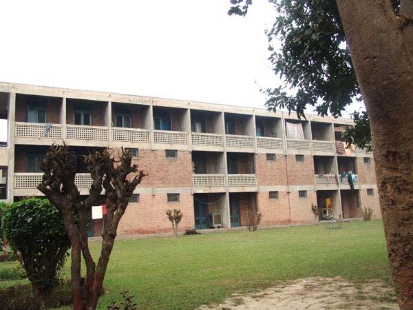 پنجاب یونیورسٹی ہاسٹل 4 میں دوطلباء گروپوں میں تصادم ،18 زخمی