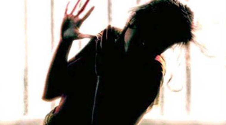 گجرات میں تین طالبات پر تیزاب پھینک دیا گیا
