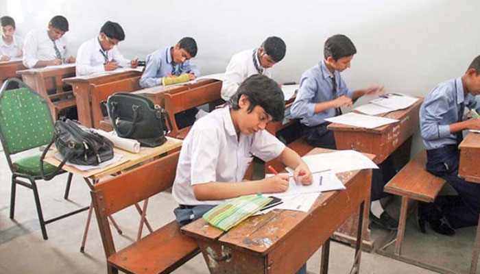 سندھ بھرمیں انٹرکےامتحانات،نقل عروج پر