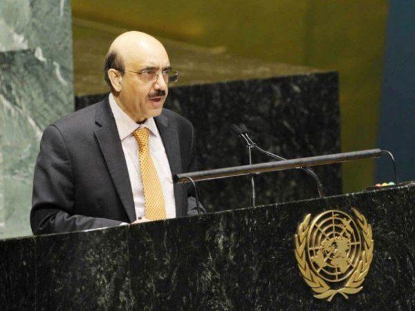 مسعود خان اقوام متحدہ میں پاکستانی مشن کی نمائندگی کرتے ہوئے
