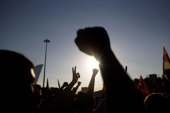 بجلی کی تقسیم کار کمپنیوں کی نجکاری کے فیصلے کیخلاف ملازمین سراپا احتجاج