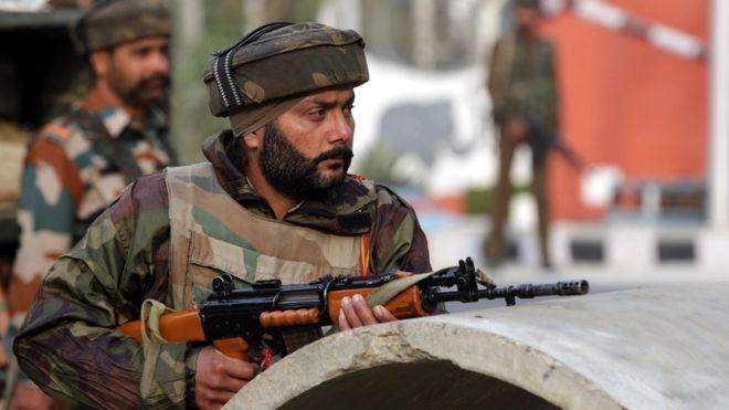 جموں میں انڈین فوجی کیمپ پر حملہ، دو افسران سمیت سات ہلاک