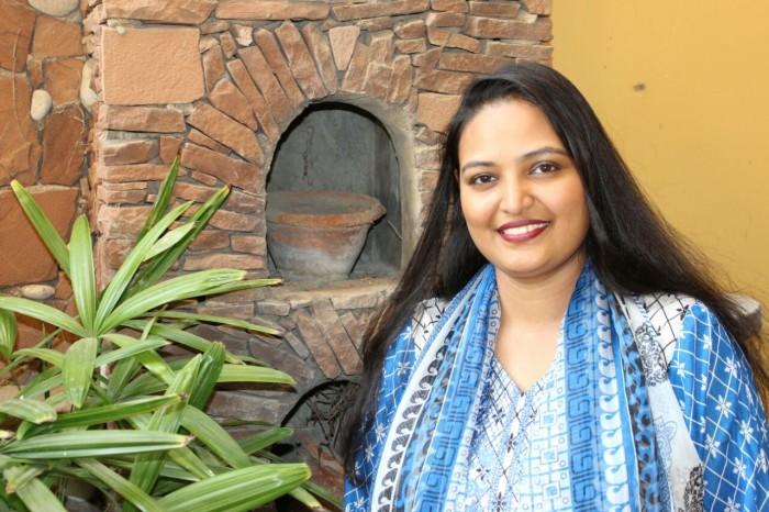 سائرہ پیٹر:مشرق اور مغربی موسیقی پر عبور رکھنے والی گلوکارہ
