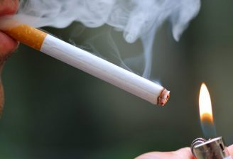 سگریٹ نوشی کررونا سے بڑا خطرہ
