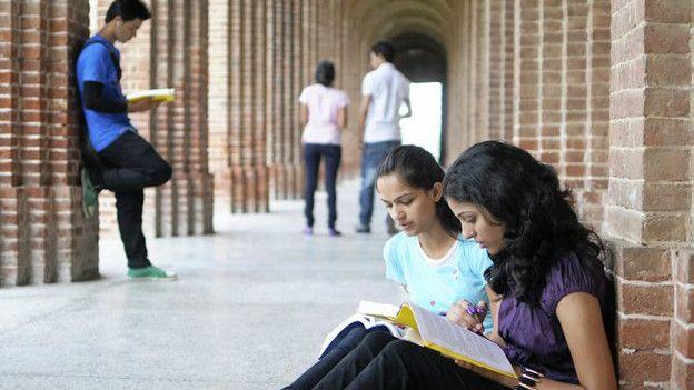 پاکستان میں تعلیمی اخراجات میں 153 فیصد اضافہ ہوا: رپورٹ