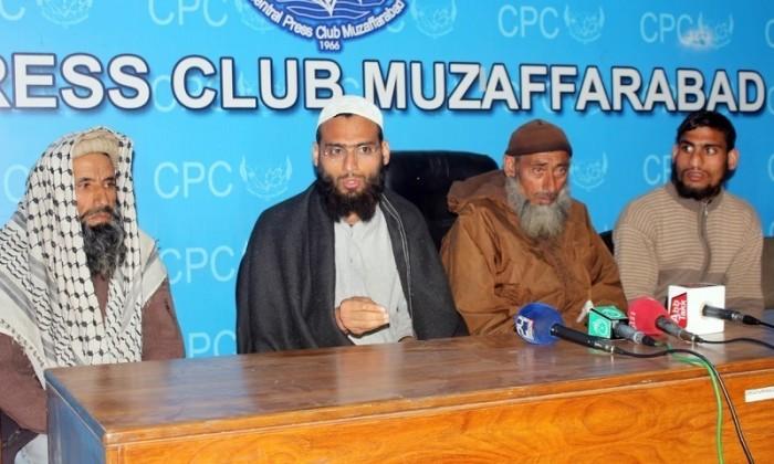 پولیس جھوٹ بولتی ہے،بیٹوں کا مظفر آباد امام بارگاہ خودکش حملہ سے کوئی تعلق نہیں .