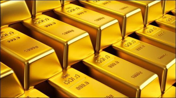 ڈالر مہنگا، فی تولہ سونے کی قیمت میں بھی 700 روپے کا اضافہ