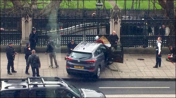 لندن :برطانوی پارلیمنٹ کے سامنے فائرنگ،متعدد افراد زخمی
