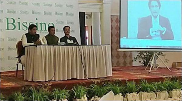 ٹیسٹ کرکٹریونس خان نے ریٹائرمنٹ کا اعلان کردیا