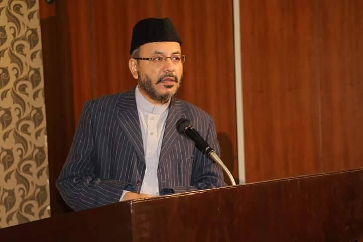 سوچ میں تنوع اور گفتگو کا سلیقہ بزرگوں کی صحبت میں بیٹھنے سےآتا ہے . ڈاکٹر سید عزیز الرحمان کی گفتگو