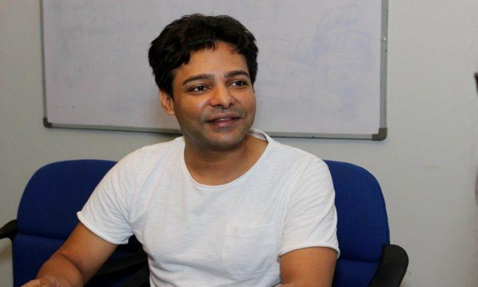 معروف اداکار علی سلیم دوست سمیت گرفتار