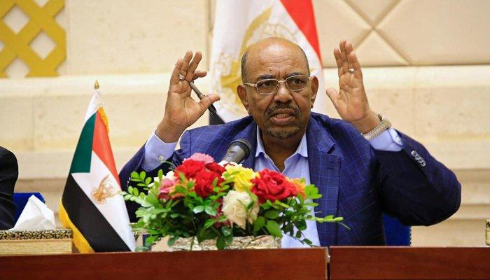 شدید عوامی احتجاج کے بعد سوڈان کے صدر نے عہدے سے استعفیٰ دے دیا