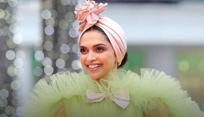 کانز فیسٹیول میں بالی وڈ اداکارہ دپیکا کے انوکھے انداز