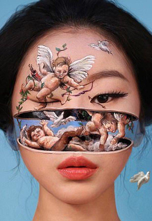 چہروں پر بھول بھلیوں کا میک اپ کرنے والی خاتون آرٹسٹ