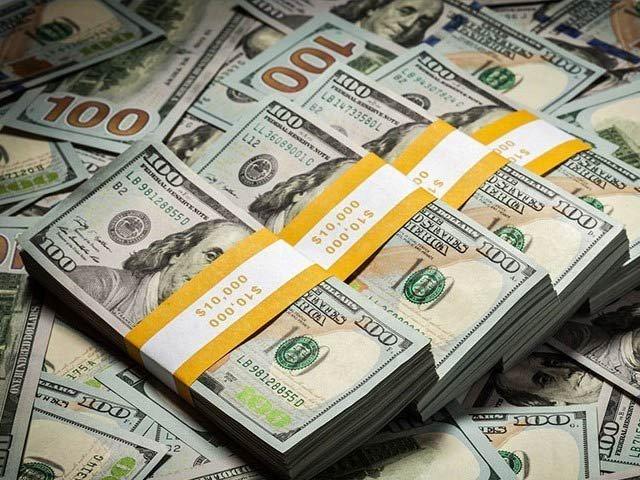 اوپن مارکیٹ میں امریکی ڈالر کی قدر 40 پیسے کم ہوکر 153 روپے 20 پیسے ہو گئی