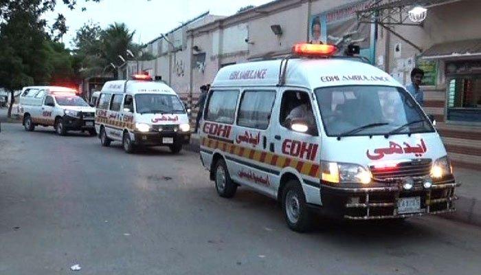 گوجر خان میں کار کھڑے ٹرک سے ٹکرا گئی، 3 بھائیوں سمیت 4 افراد جاں بحق