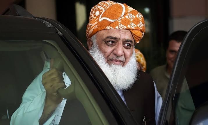 بنوں میں پاکستان ڈیموکریٹک موومنٹ کا جلسہ جاری