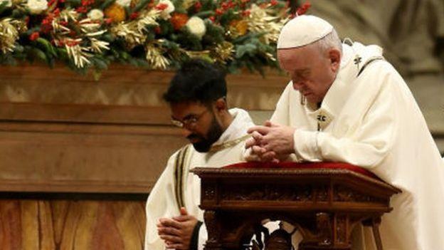 کرسمس پر پوپ فرانسس کا پیغام: 'خدا بُرے سے بُرے انسان سے بھی محبت کرتا ہے'
