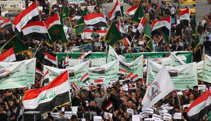 عراق میں حکومت مخالف مظاہرین کے کیمپ پر حملہ، 12 افراد ہلاک