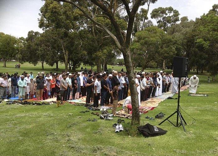 آسٹریلیا میں لگی آگ کے خاتمے کیلئے مسلمانوں کی نماز استسقاء، عیسائیوں کی بھی شرکت