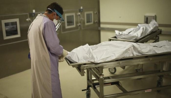 ملک میں رواں ماہ 3 ڈاکٹروں سمیت 9 ہیلتھ ورکرز کورونا کے باعث انتقال کرگئے