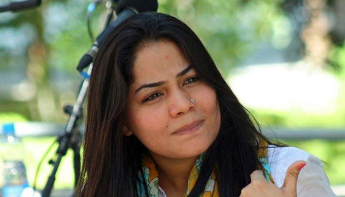 گلوکارہ صنم ماروی نے سابق شوہر کے خلاف مقدمہ درج کروادیا