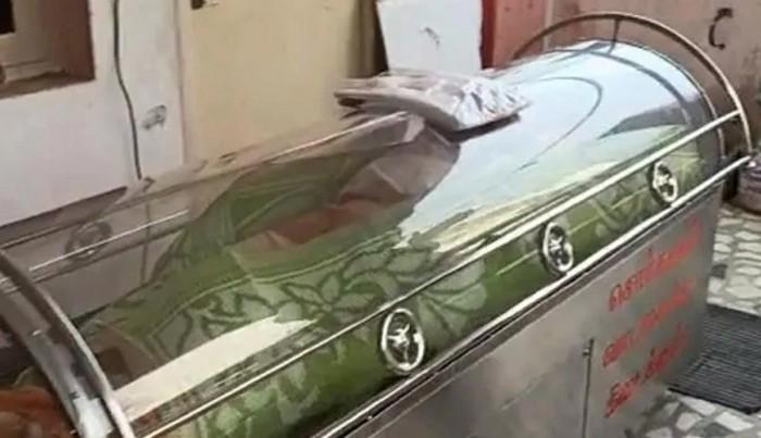 74 سالہ شدید علیل شخص کو بھائی نے فریزر میں ڈال دیا