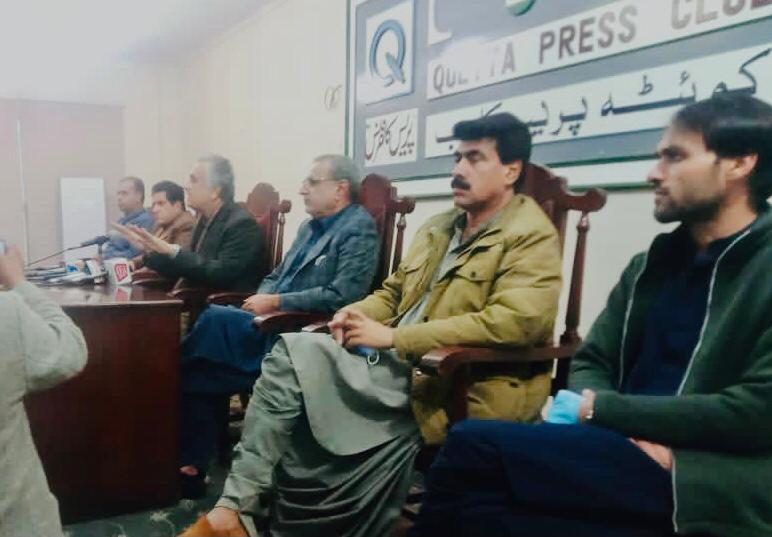گوادر شہر کو باڑ لگا کر ضلع گوادر اور بلوچستان سے الگ کردیا گیا،سینیٹر میر کبیر محمد  شہی ۔کوئٹہ : وائس فار بلوچ مِسنگ پرسن کا مظاہرہ