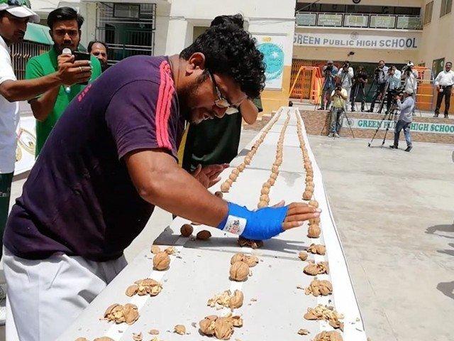 پاکستان کے راشد نسیم کے 2 ریکارڈزگنیزبک کے بہترین ریکارڈزمیں شامل