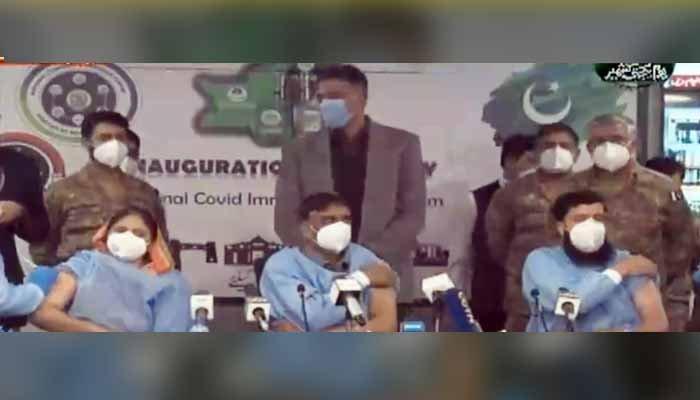 پاکستان میں ایک کروڑ ویکسین لگانے کا ہدف مکمل