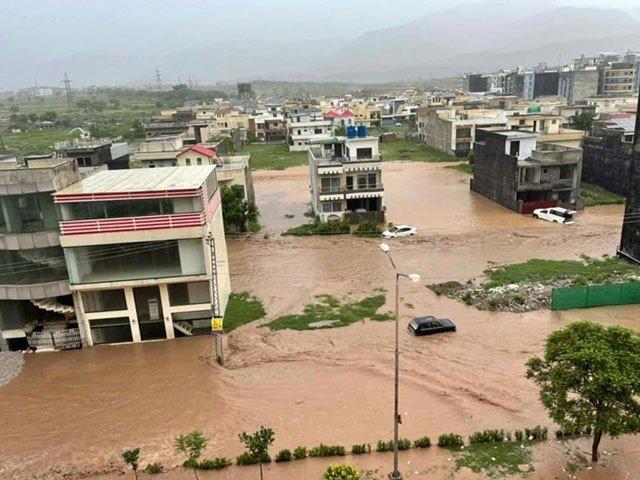 اسلام آباد میں طوفانی بارش کا باعث کلاؤڈ برسٹ ہے یا مون سون، انتظامیہ کے متضاد بیانات