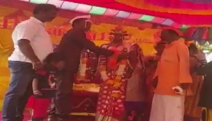 بھارت : ہندو لڑکی کی پرورش اور شادی کرانیوالے مسلمان شخص کے چرچے
