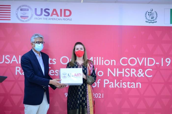 امریکہ کا پاکستان کو کورونا کی فوری تشخیص کیلئے10 لاکھ کِٹس کا عطیہ