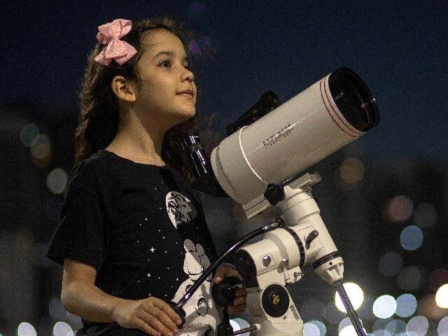 آٹھ سالہ برازیلی لڑکی نے 18 سیارچے دریافت کرکے نیا ریکارڈ بنالیا